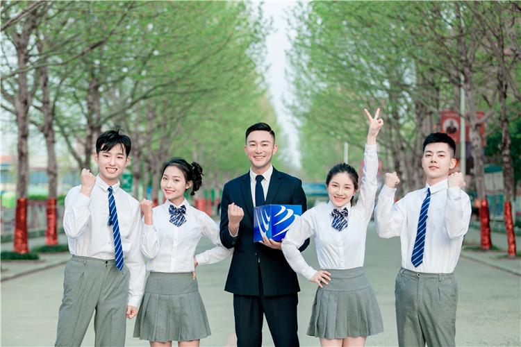 <strong>【媒体报道】来新华,好学校赢得好未来!</strong>